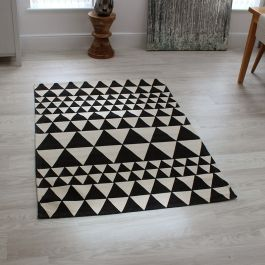 Onix Rug Triangles Black