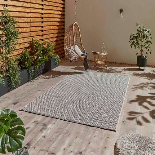 Stitch 9683 Ivory Black Indoor Outdoor Rug
