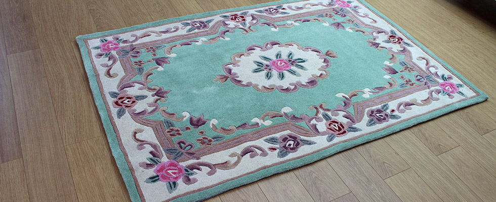 chinese rug in full cut wool with an aubusson style pattern