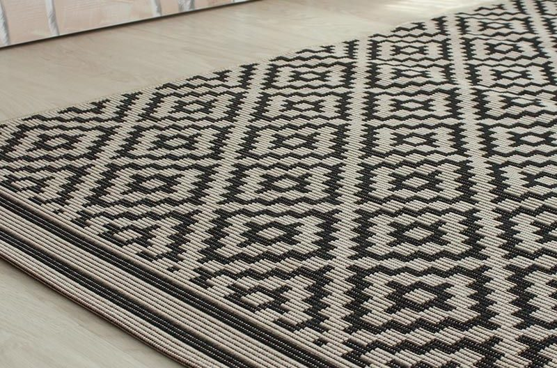Outdoor Rug Patio Diamond Mono